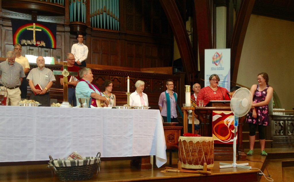 closing-prayer-and-song-2016-agm